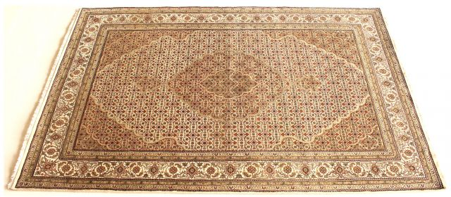 b_640_0_16777215_00_images_rugs-3_white-persial-wool-silk.jpg