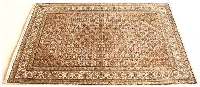 b_640_0_16777215_00_images_rugs-3_white-persial-wool-silk.jpg