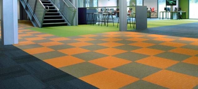 b_635_285_16777215_00_images_carpettiles_godfrey_hirst_commercial_carpet_tile_education_2.jpg